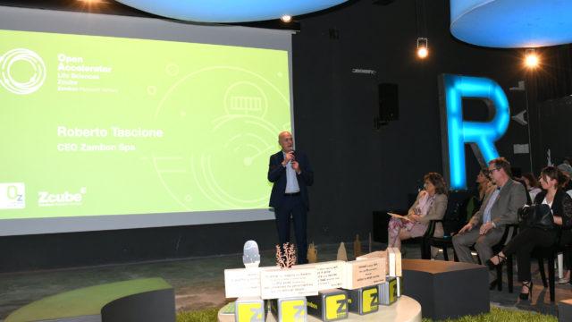 Foto di Roberto Tascione durante l'evento di lancio della terza edizione di Open Accelerator