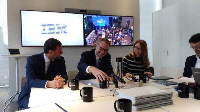 Enrico Cereda (al centro), Presidente e Amministratore delegato di IBM Italia